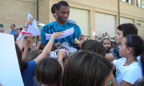 Lobe Huesca de visita en colegios